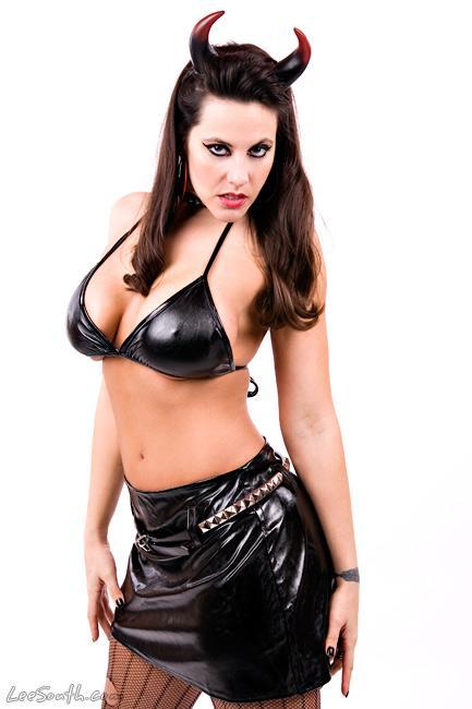 Latina big booty lesbian free