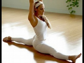 trish stratus yoga.jpg_thumb