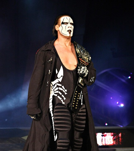 Sting-in-Scary-Outfits-with-Champion-Belt