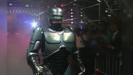 Robocop off duty Cage Destroyer with Sting